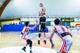 A2 - L'Eurobasket cede alla distanza contro Forlì