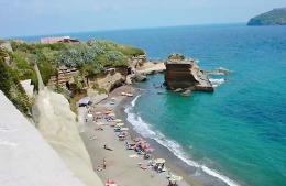 """""""Più notti, più sogni"""" il piano regionale per favorire il turismo"""