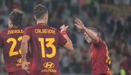 Quarta vittoria per la Roma di Mourinho: gli scatti della serata dell'Olimpico