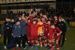 Vella all'ultimo secondo! La Roma vince il derby e alza la Coppa