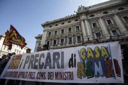 Trenta lavoratori della PCM a rischio licenziamento: la protesta continua