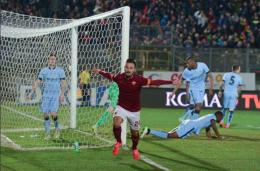 Vestenicky e Pellegrini affondano il Manchester City, la Roma vola a Nyon