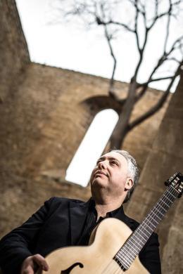 A Cerveteri Francesco Buzzurro presenta il live 'One Man Band'