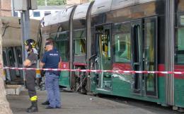 Porta Maggiore: scontro tra tram e metro, 5 i feriti