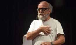 La divina commediola: a lezione d'Africa con Prof Covatta