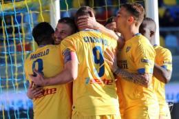 Frosinone, Citro-gol d'oro per stendere il Novara
