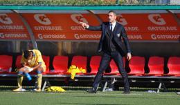 Il Frosinone tiene il passo: stesa la Salernitana