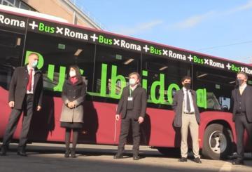 La presentazione del nuovo autobus